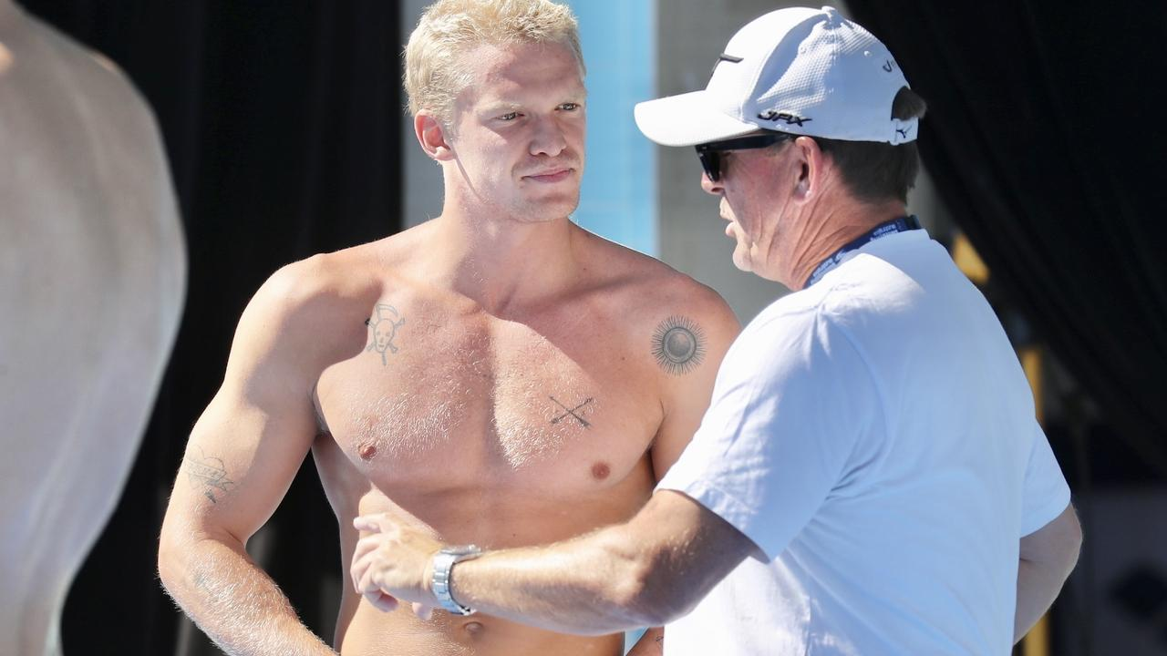 Aussie pop star Cody Simpson has failed to show up for the Australian swimming national championships after an unexplained withdrawal.