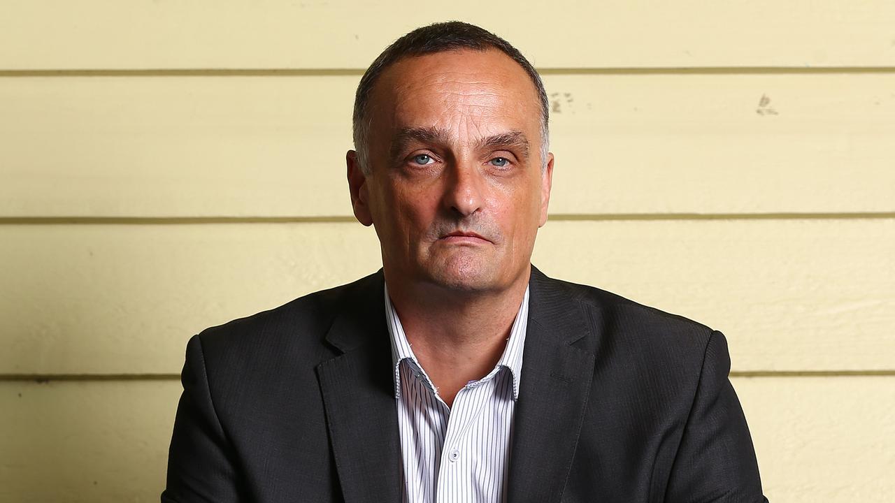Dreamworld boss John Osborne has resigned as head of Ardent Leisure's theme parks division, effective immediately.
