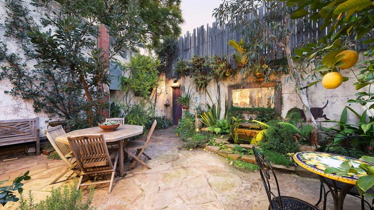 The courtyard combines an LA vibe with native Australian plants.