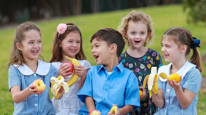 100 Aussie schools get free fruit for a day