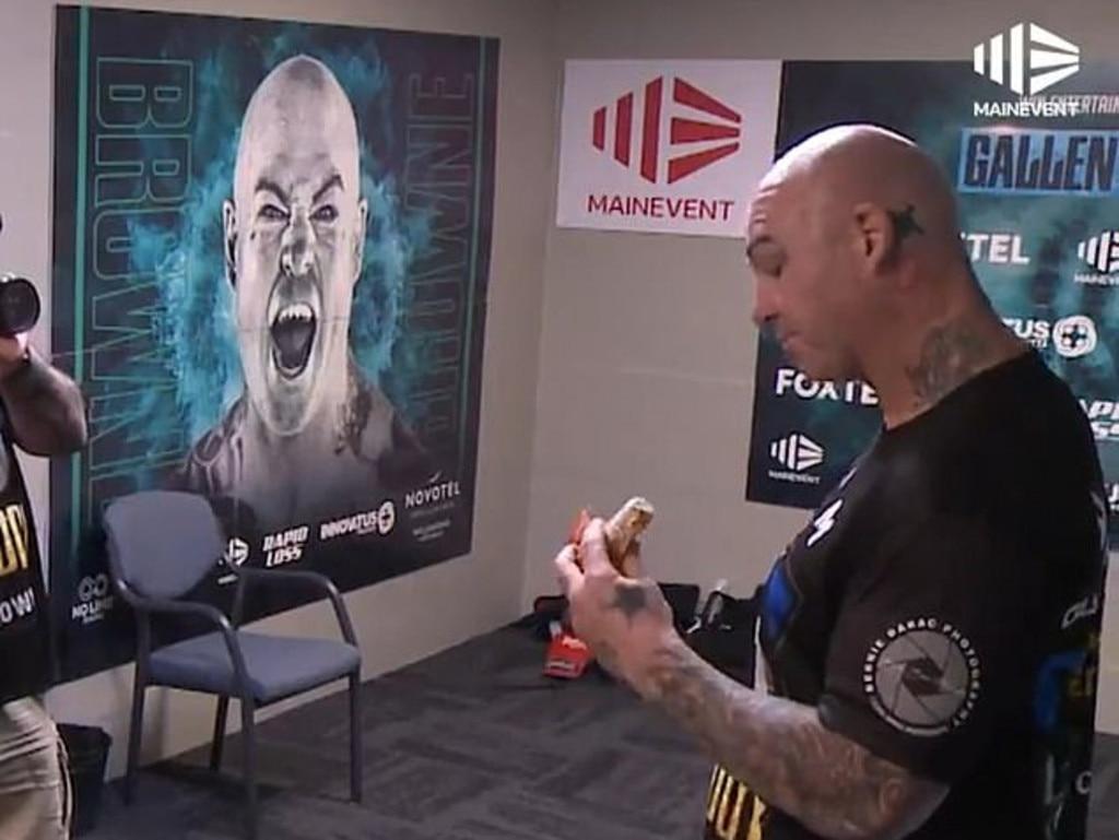 Lucas Browne enjoys a pre-fight snack.