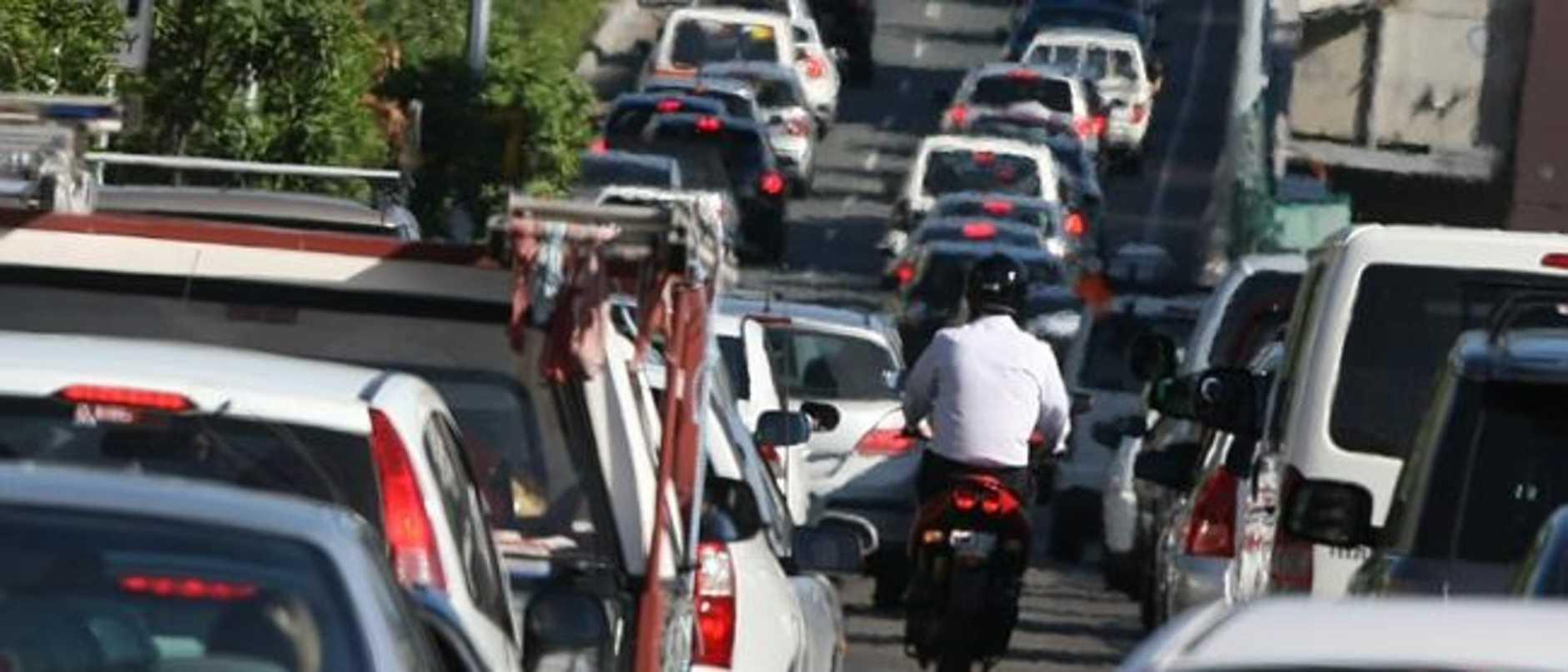 Brisbane traffic: Serious Bruce Highway crash causes major delays