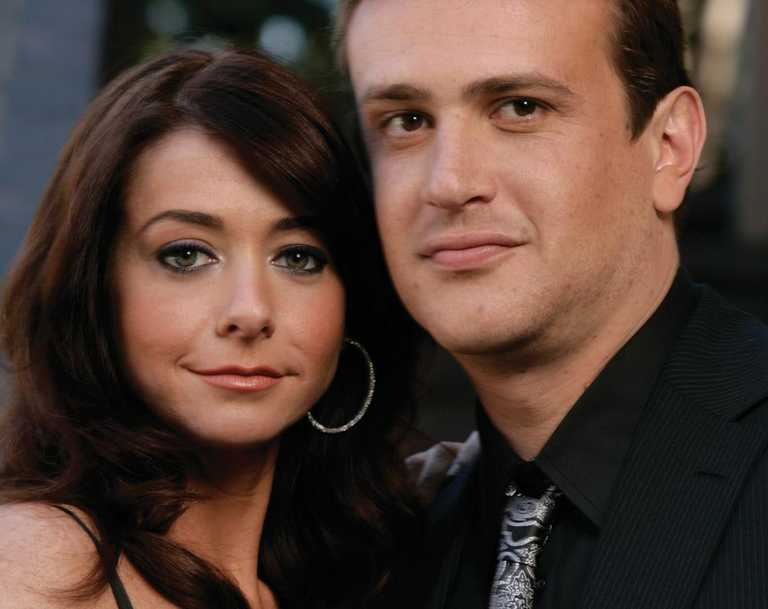 Actors Alyson Hannigan and Jason Segal from TV show 'How I Met Your Mother'.
