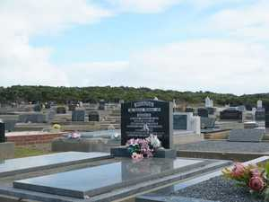 Mourners forced to 'go behind the bushes'