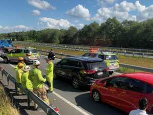 Public holiday traffic: Bruce Hwy chaos after four-car crash