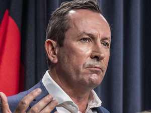 Virus fears for 79 people on Aussie flight