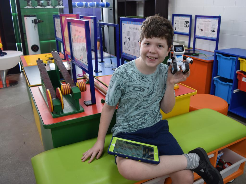 Robson Peatey visited the centre with his family when visiting Emerald and loved working with the robots.
