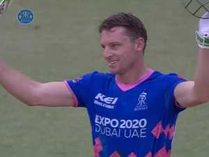 Buttler SMACKS eight 6's on his way to a maiden T20 ton