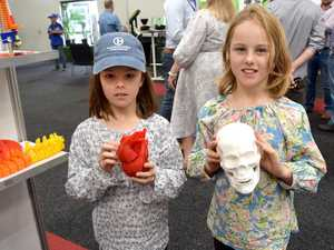 VIDEO: Home-school Mum tries 3D printing at Beef Australia