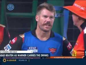 Warner carries drinks as Sunrisers get smashed