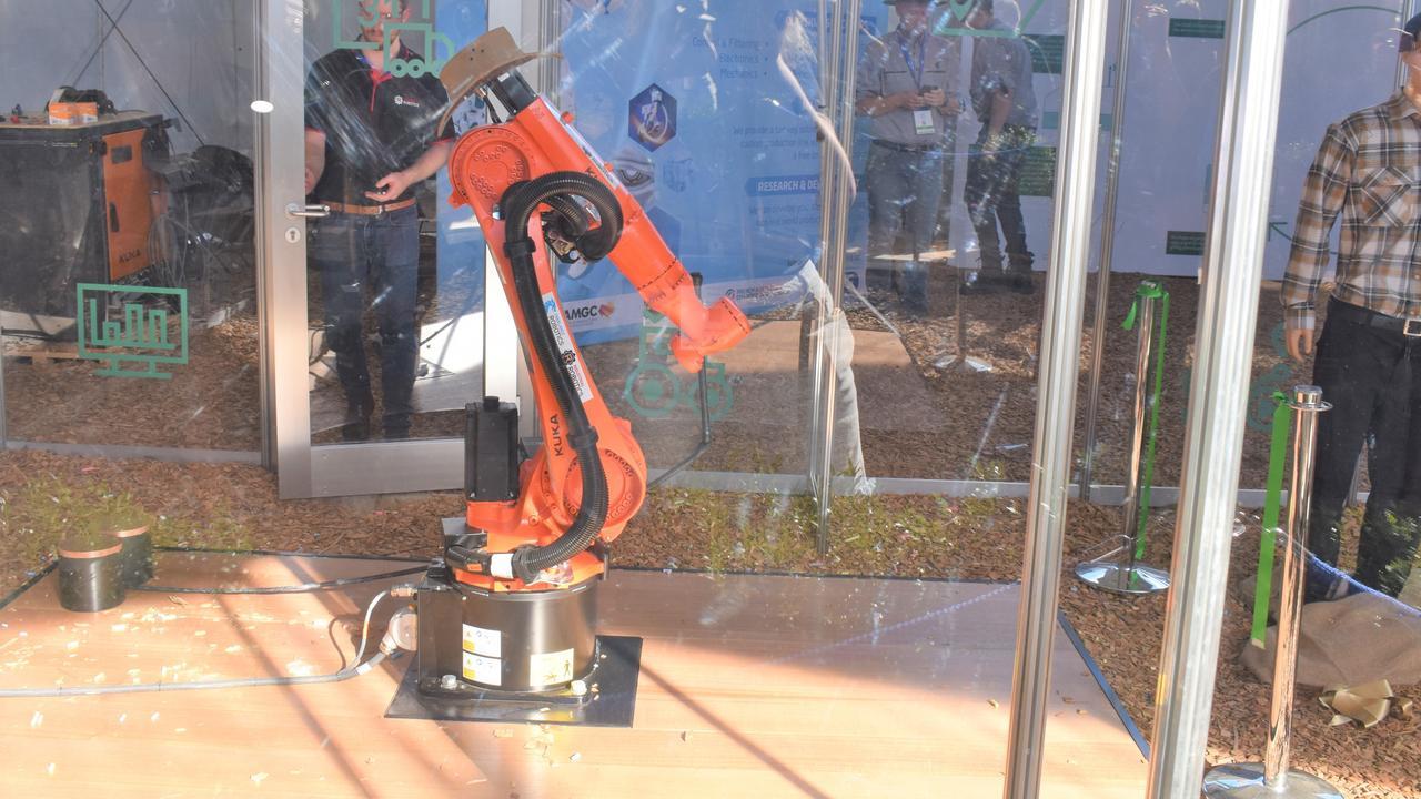 5G robotic arm on display at Beef Australia