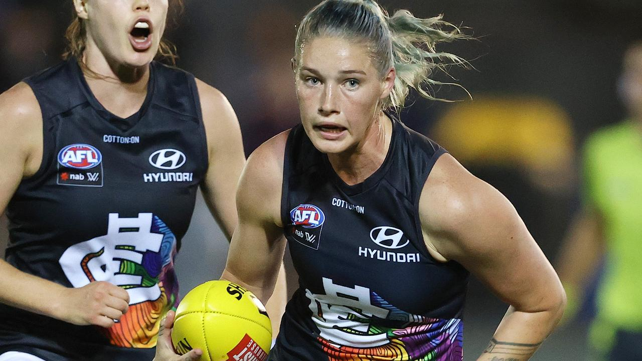 Football star Tayla Harris is holding out for elite-level AFLW pay