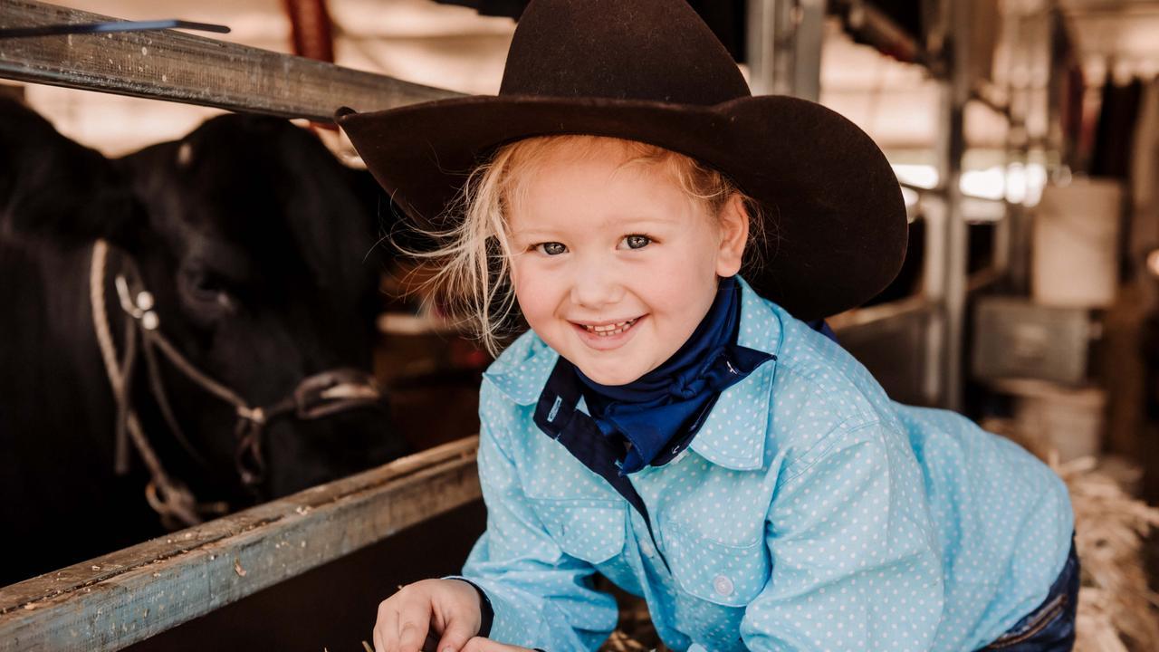 Cute faces around Beef Australia 2021.
