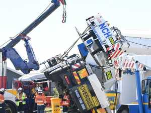 Crashed crane back on wheels after epic operation