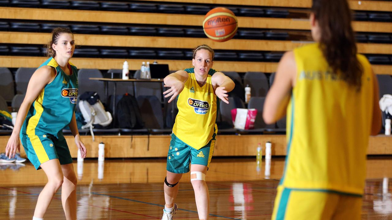 Rachael McCully of the Australian Opals women's basketball team training at TSS. Photo by Richard Gosling