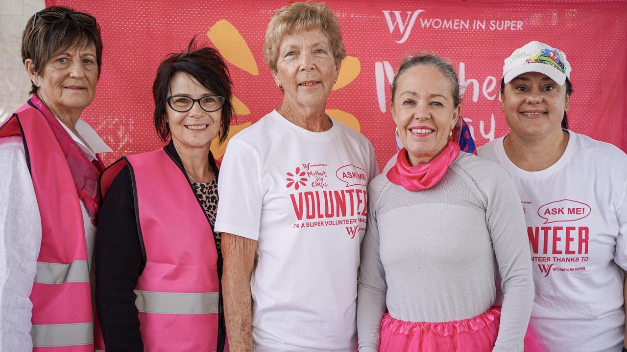 Mackay Mother's Day Classic fun run 2021 organisers (from left): Schyran Cummings, Maria Kelleher, Dawn Mansfield, Chrissy Evangelou and Suzy Haysom. Heidi Petith