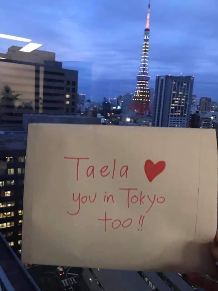 Taela Wheeler has collected love notes from all over the world for her mum, Deb.