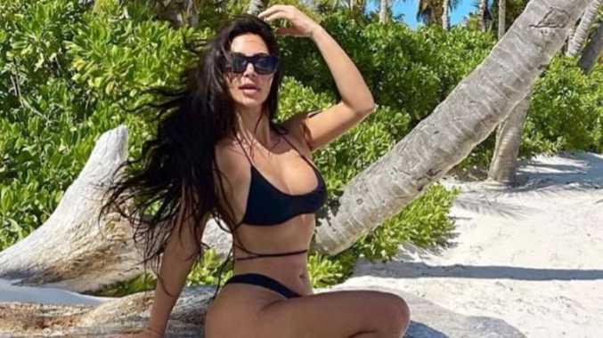 Kim's bikini snap fuels bizarre toe theory