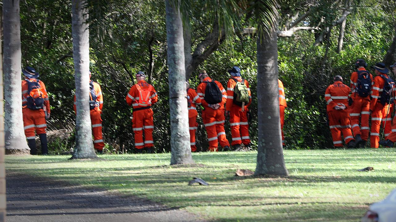 SES crews join the search following the death of a woman in Taigum. Picture: Jamie Hanson