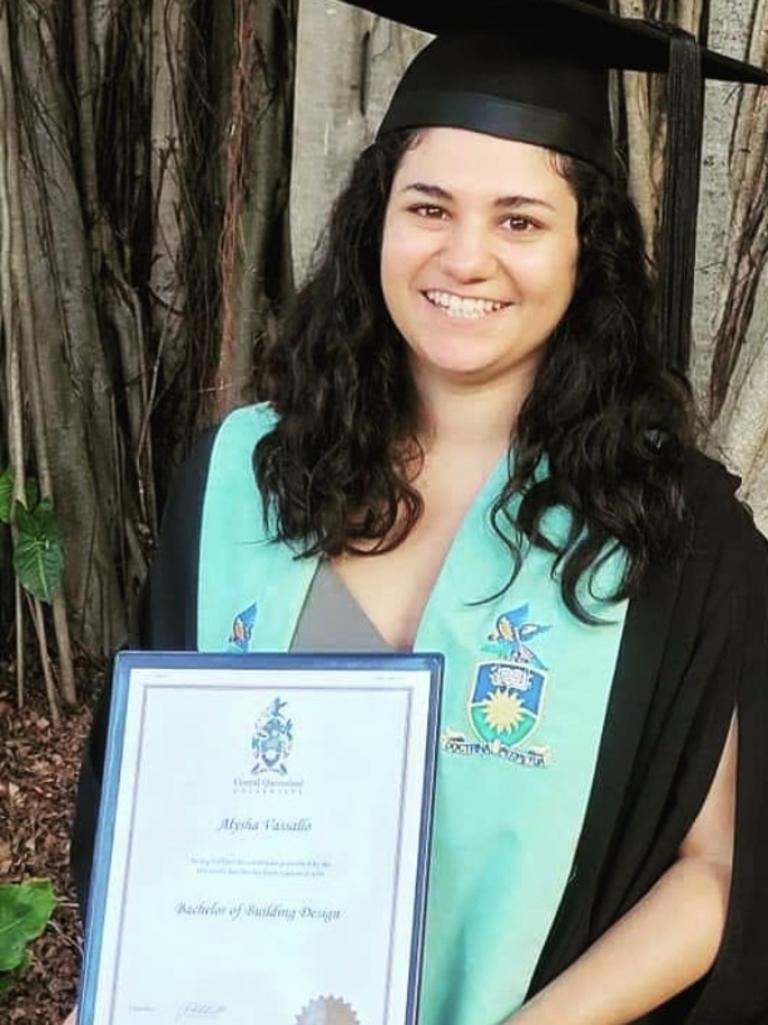 Alysha Vassallo graduates with a Bachelor of Building Design, 2021