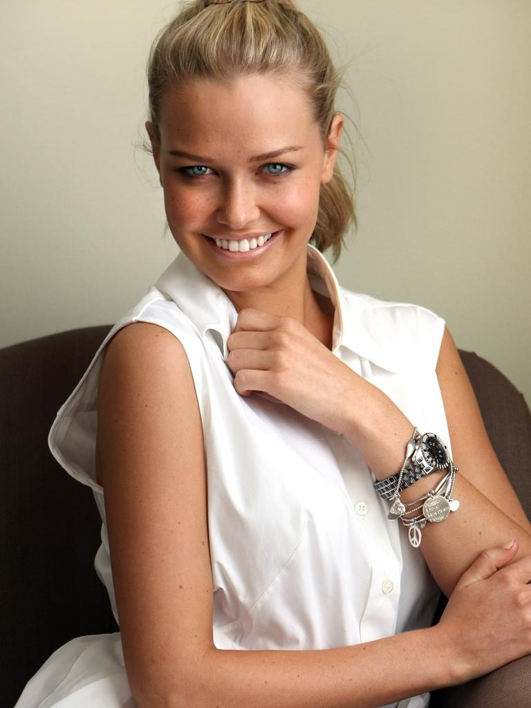 Then a teenager, Lara Bingle was demonised for dating a married Fevola.