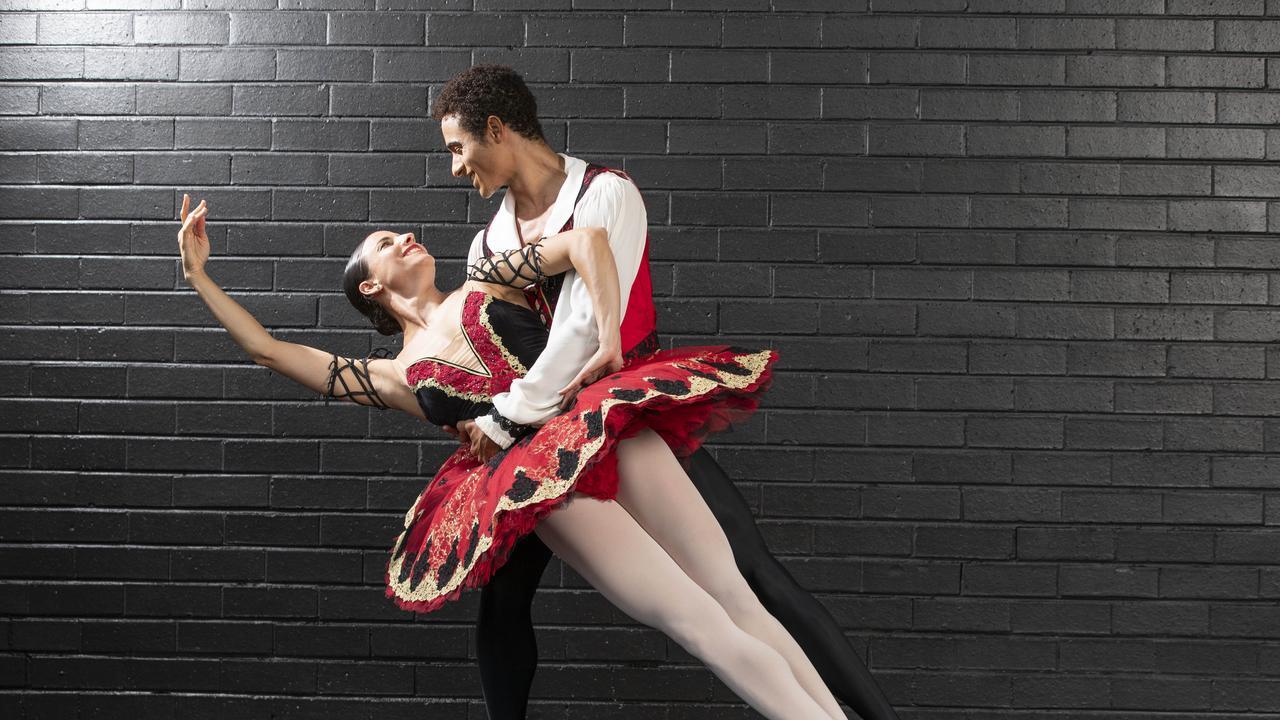 Queensland Ballet Dancers Yanela Pinera and Patrico Reve at Riverstage. Photo Lachie Millard