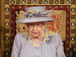 Queen makes return with historic speech