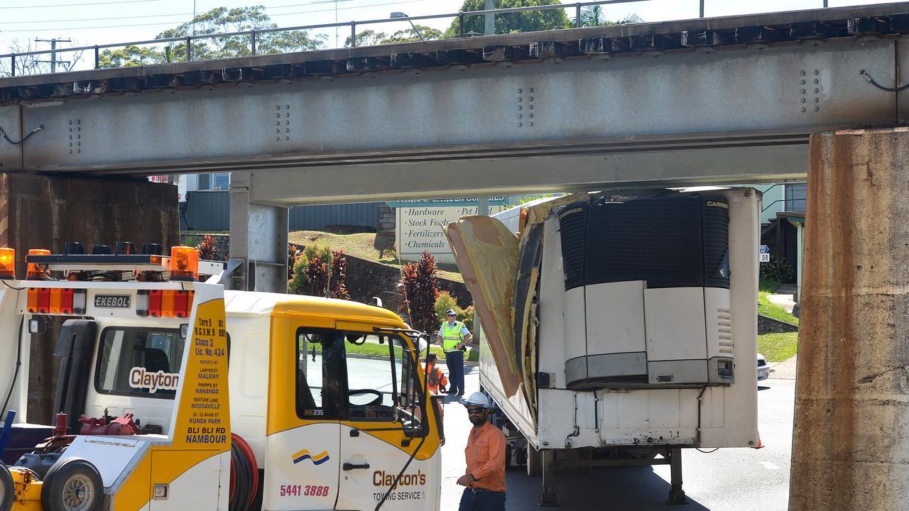 Truck stuck under the Palmwoods bridge. Picture: Warren Lynam.