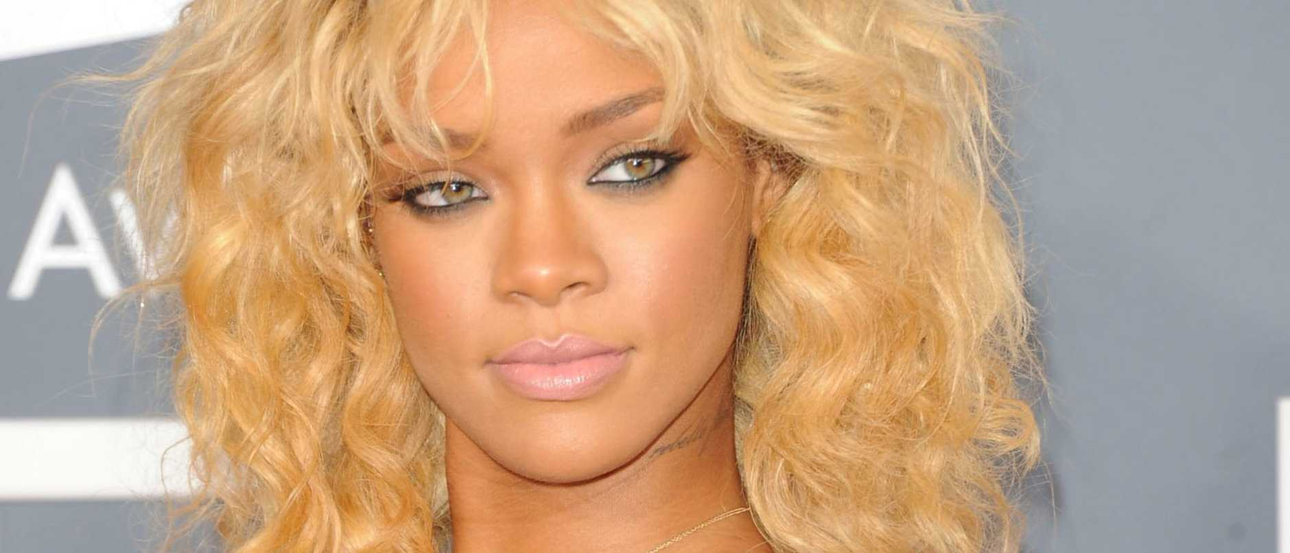 Rihanna is the latest star to release a statement on the violence between Israelis and Palestinians, copping heat for her choice of words.