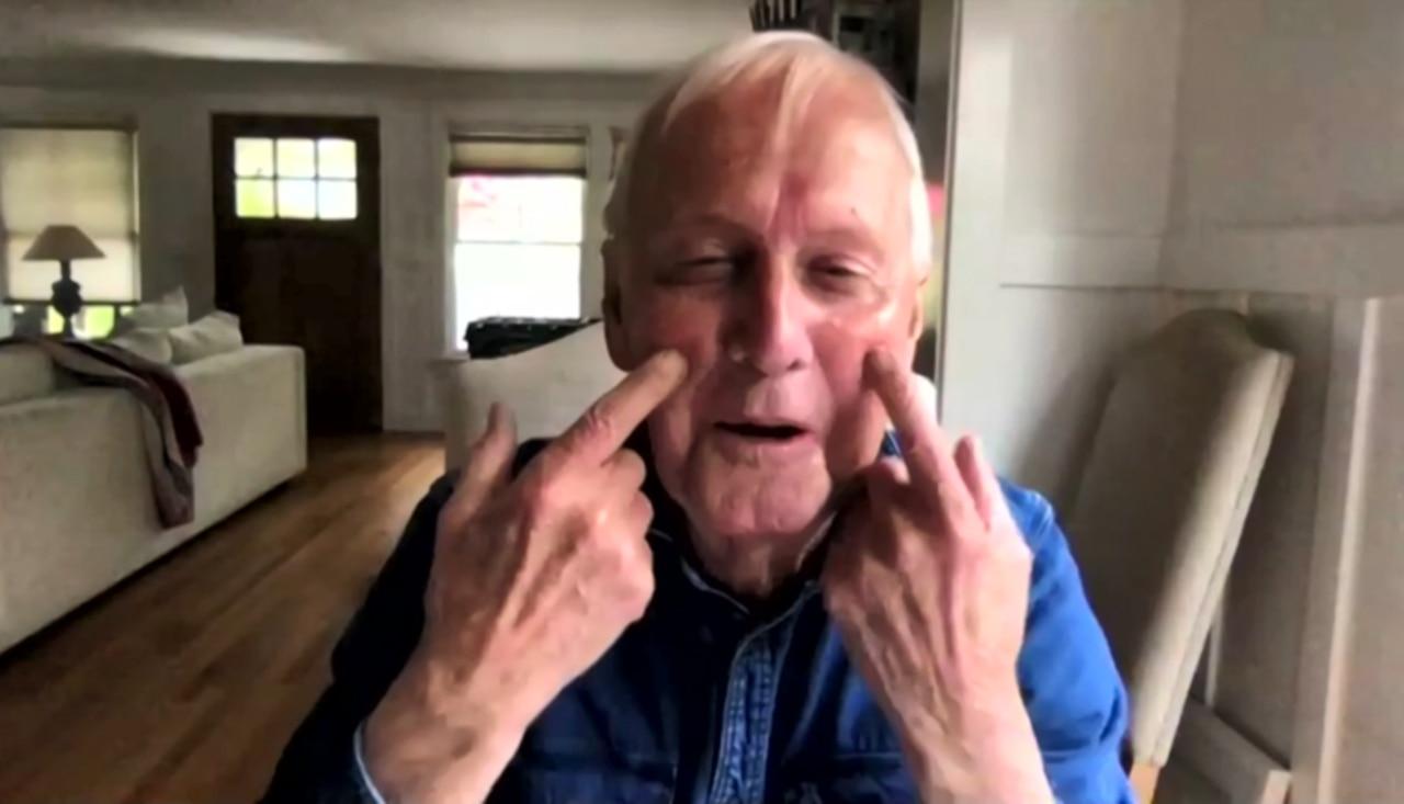 Paul Hogan explains his different appearance on Sunrise.