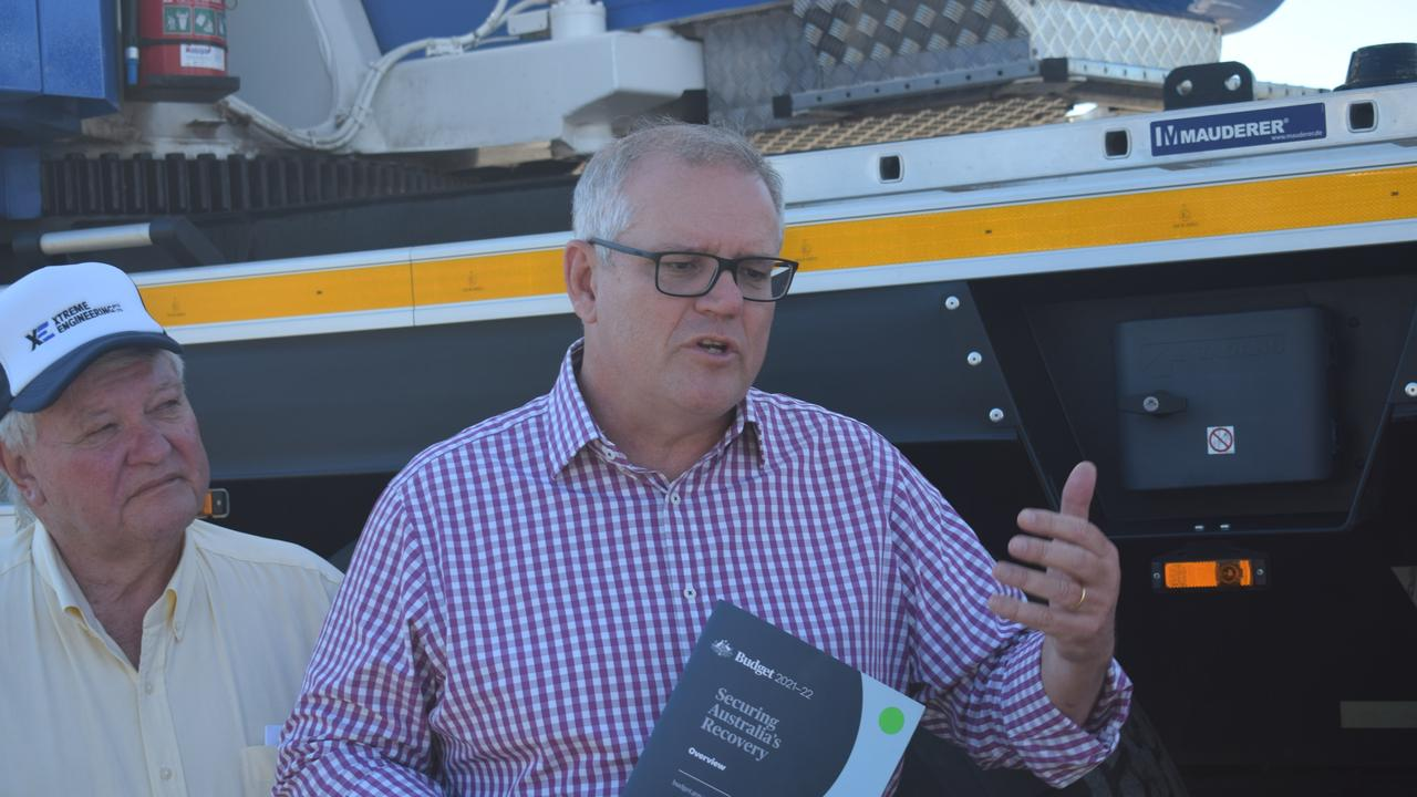 Prime Minister Scott Morrison made a surprise appearance at XTreme Engineering on Sunday afternoon, with Ken O'Dowd.