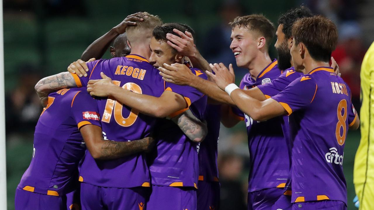 Andy Keogh scores four as Perth Glory thrash Western Sydney Wanderers