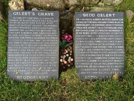Gelert's Grave plaques - image care of Robert Brook public domain.