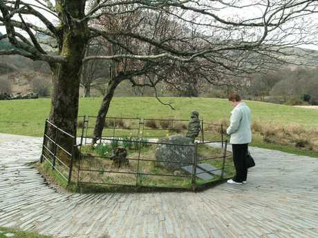Gelert's grave at Beddgelert - image care of Raymond Knapman Creative Commons 2.0 license
