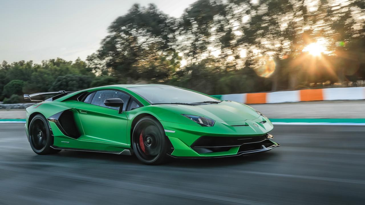Lamborghini will launch a hybrid Aventador by 2024.