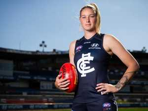 AFLW star leaves club over pay dispute