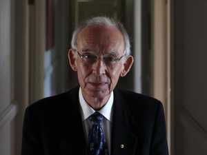 Former state Liberal leader Sir Llew Edwards dies aged 85