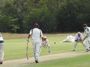 Unbeaten run over as Lockyer/Ipswich bowlers fire