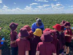 Young CQ students try their hand at farming
