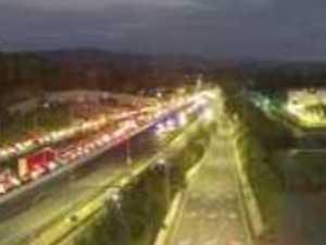 Hour delays, 12km gridlock as truck crash blocks Pacific Mwy