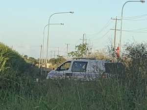 Police search for offenders who fled stolen car hot spot