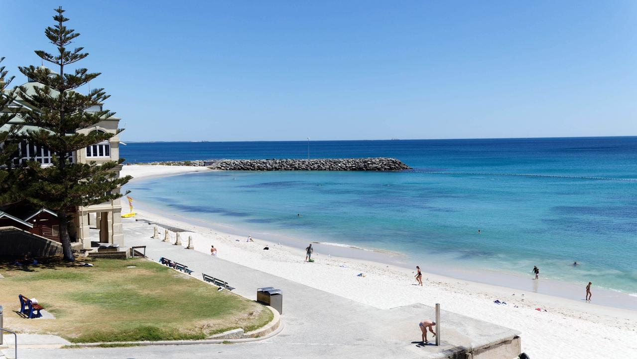 The shark warning extends to the popular Cottesloe beach. Picture: Trevor Collens/The West Australian