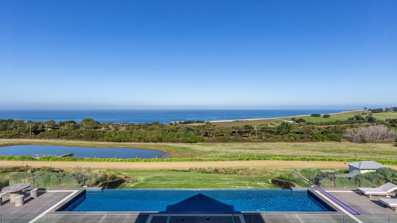 With Bass Strait on full display, it'd be hard to feel cooped up at this coastal charmer.