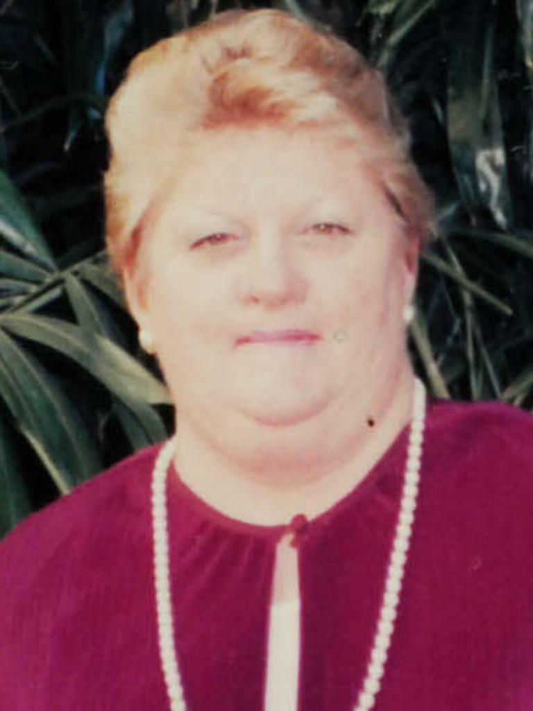Valmae Beck (aka Fay Cramb) died in 2008.