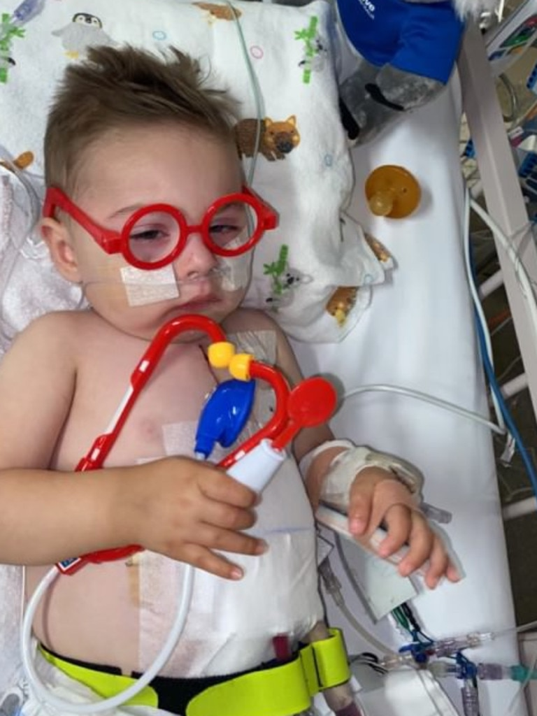 Alexander Kakias is clinging to life waiting desperately for a heart transplant.