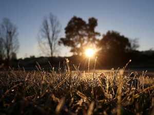 Feels like -2.8C: Temps drop as big freeze hits Queensland