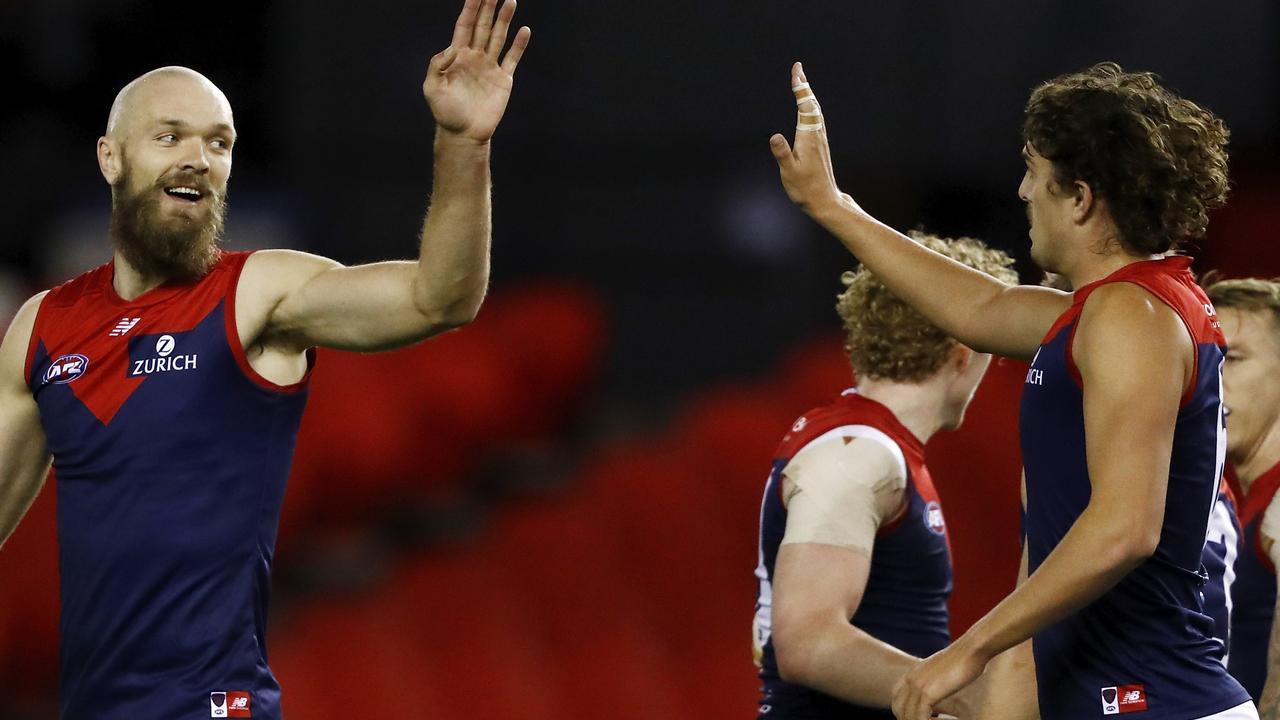 AFL Rd 11 - Western Bulldogs v Melbourne
