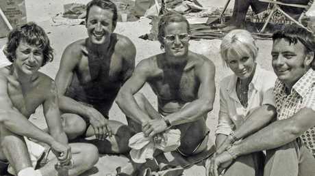 Steven Spielberg, Roy Scheider, Richard Zanuck, Valerie and Ron Taylor on the set of 'Jaws'.