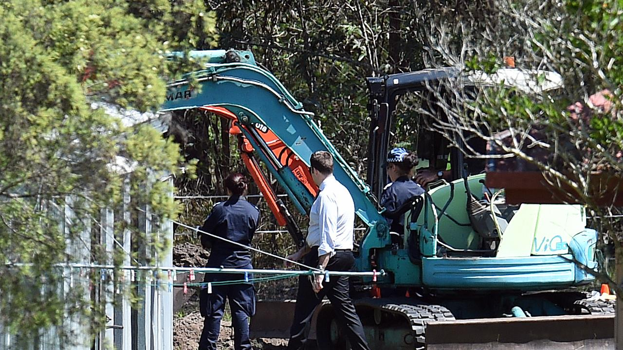 Police excavate a section behind the foster home of Queensland schoolgirl Tiahleigh Palmer at Chambers Flat, south of Brisbane, in 2016.