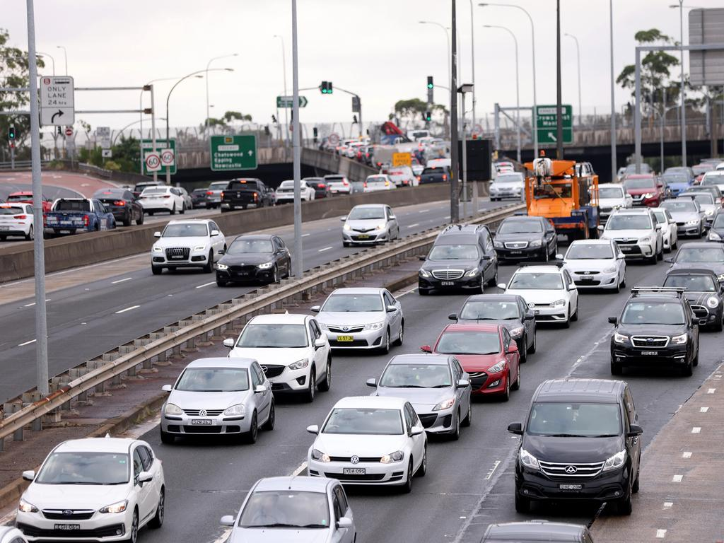Many everyday road habits could land drivers in hot water. Picture: Damian Shaw / NCA NewsWire